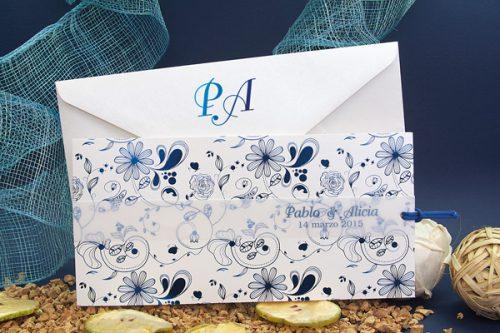 invitacion-boda-con-flores-azules-y-lazo-detiketa