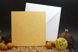 mariposas-y-corazones-oro-invitaciones-boda-detiketa
