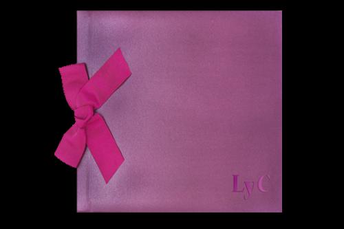 libro-firmas-lila-brillante-invitaciones-boda-detiketa